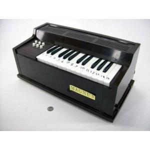 PIANOTOY1